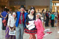 Beringela e seus amigos na inauguração do Shopping Continental
